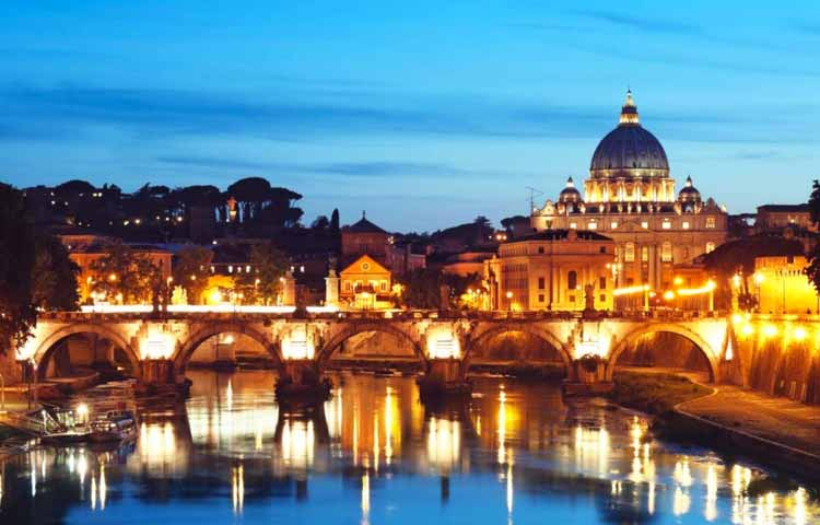 Tour Rome by night